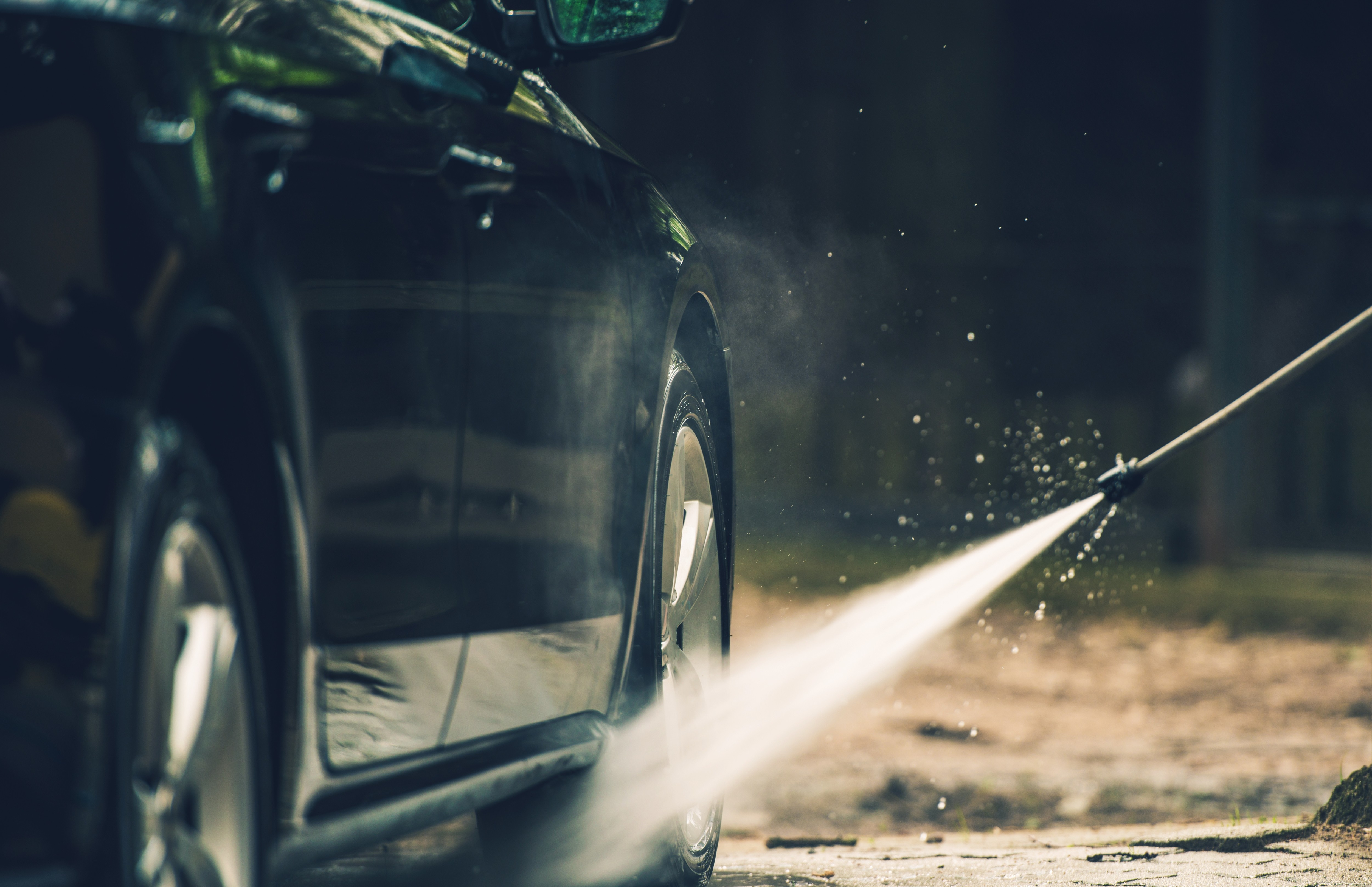 detailed-car-washing-PQEE2QY.jpg